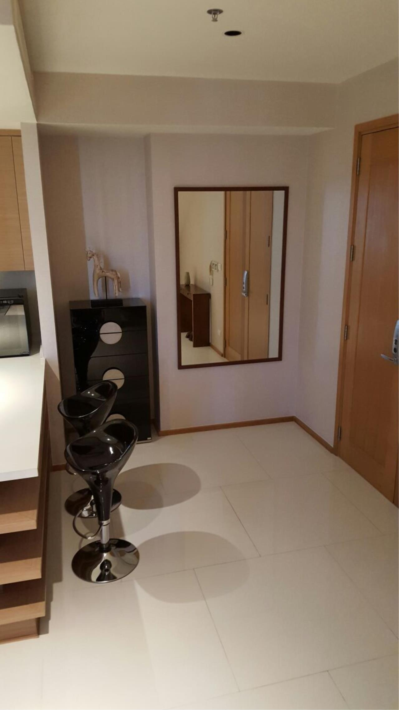 Piri Property Agency's one bedroom  For Rent Emporio Place 2