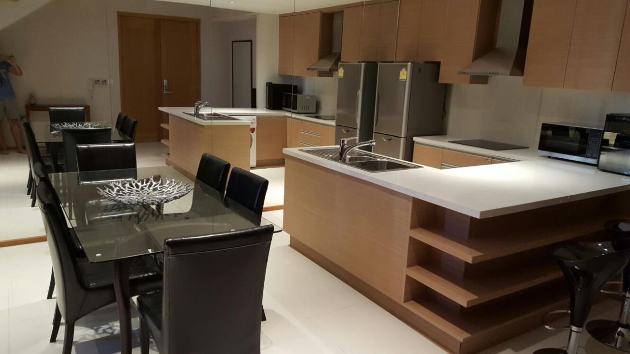 Piri Property Agency's one bedroom  For Rent Emporio Place 16