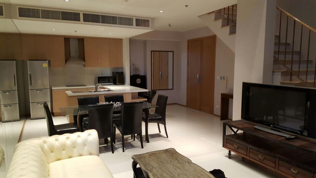 Piri Property Agency's one bedroom  For Rent Emporio Place 23