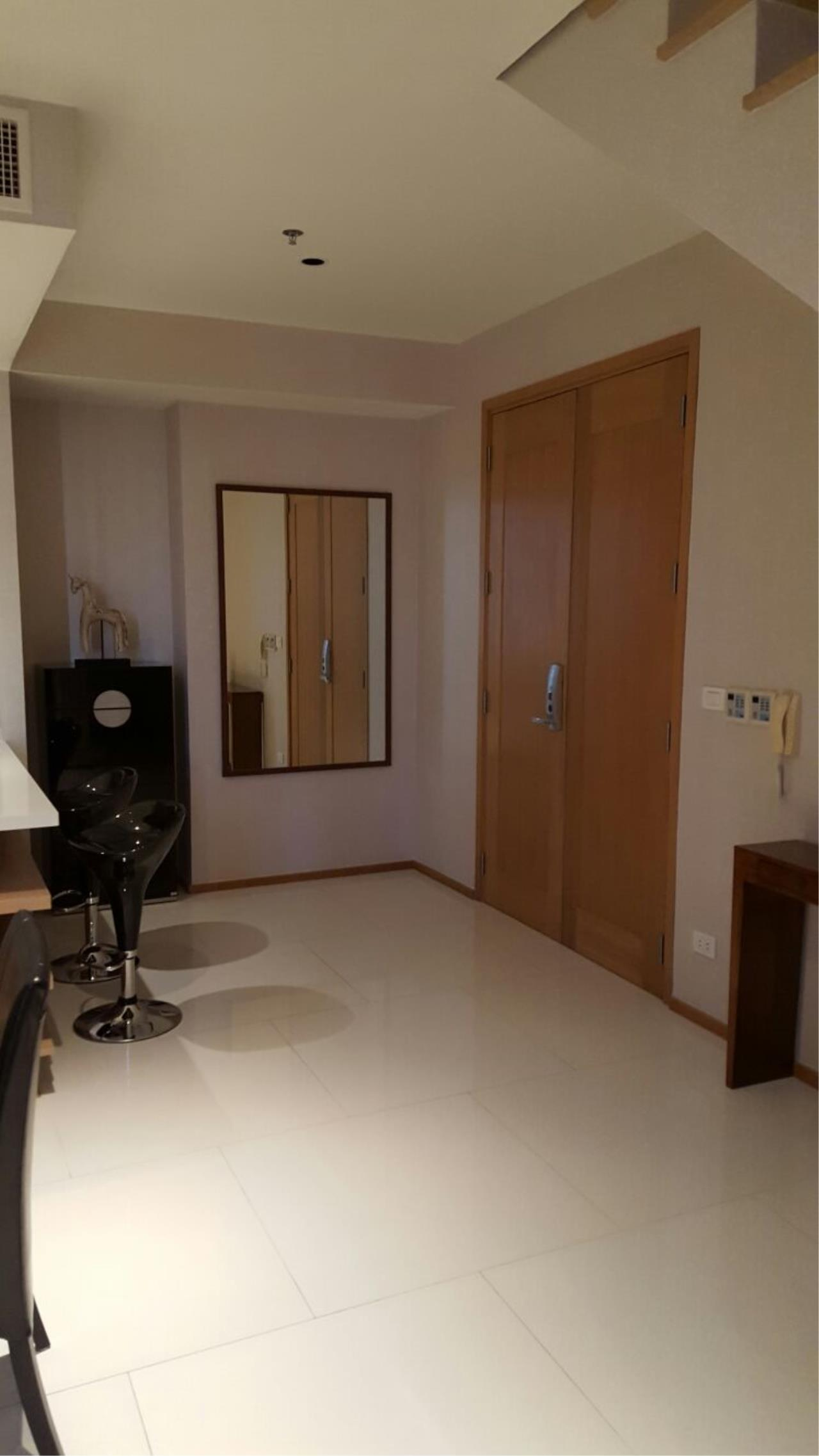 Piri Property Agency's one bedroom  For Rent Emporio Place 49