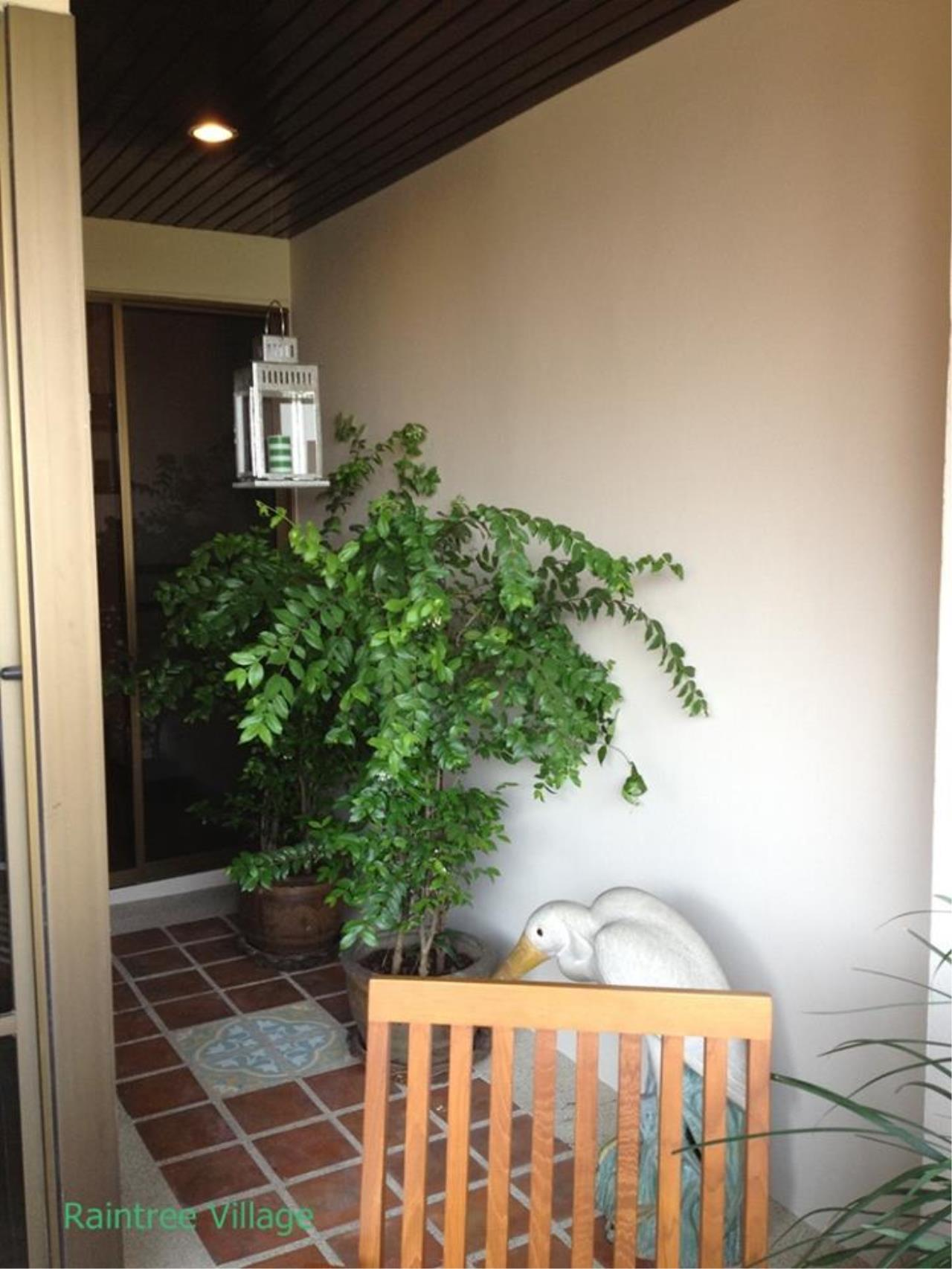 Piri Property Agency's 3 bedrooms Condominium  For Rent 3 9