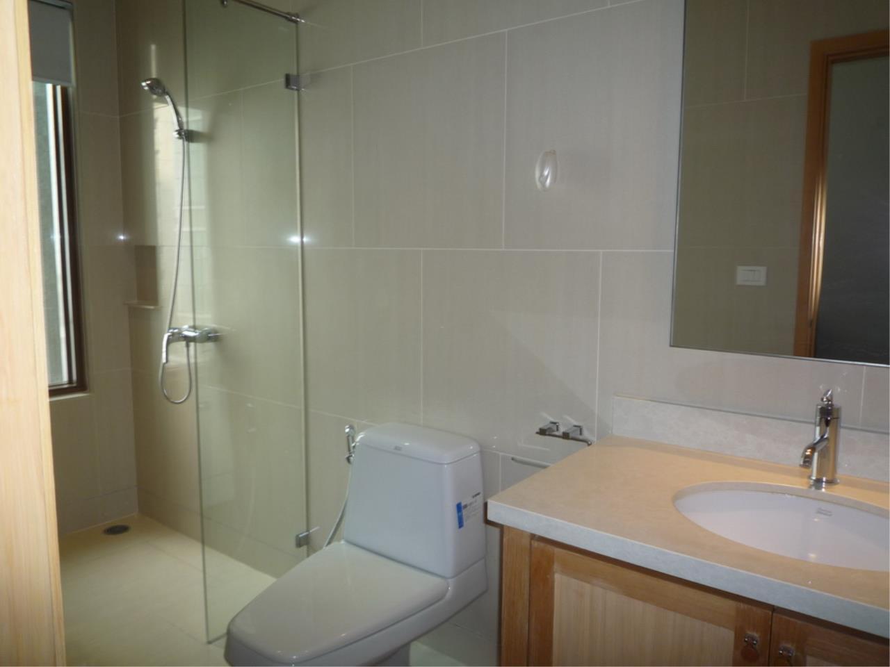 Piri Property Agency's 3 bedrooms Condominium  on 8 floor For Rent 3 15
