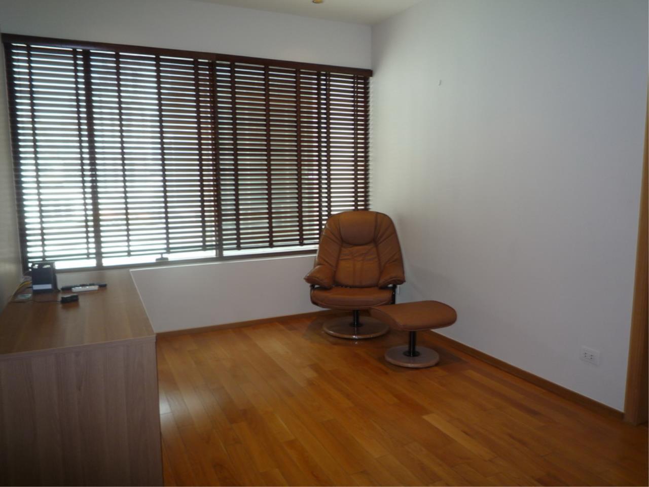 Piri Property Agency's 3 bedrooms Condominium  on 8 floor For Rent 3 12