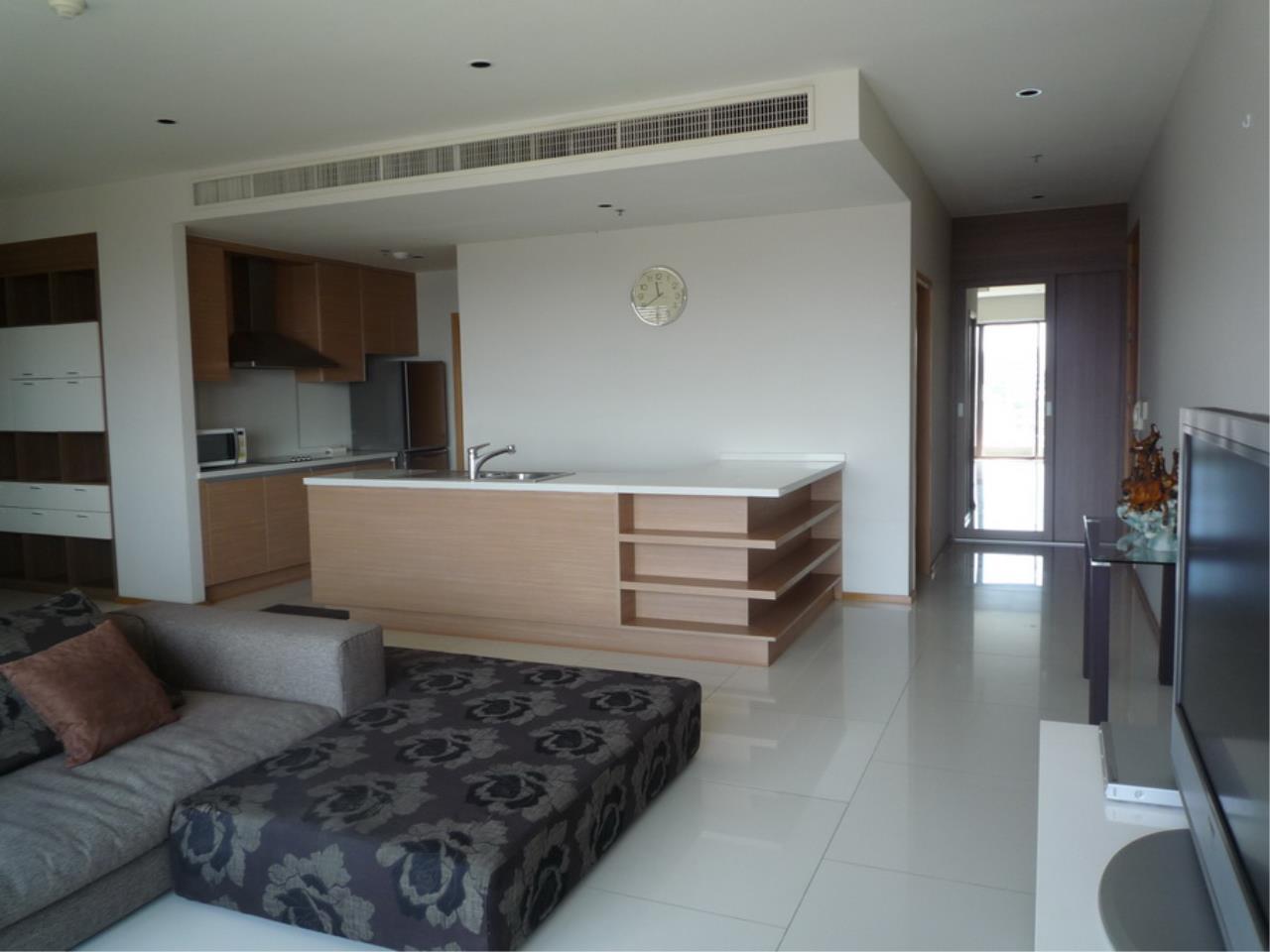 Piri Property Agency's 3 bedrooms Condominium  on 8 floor For Rent 3 5