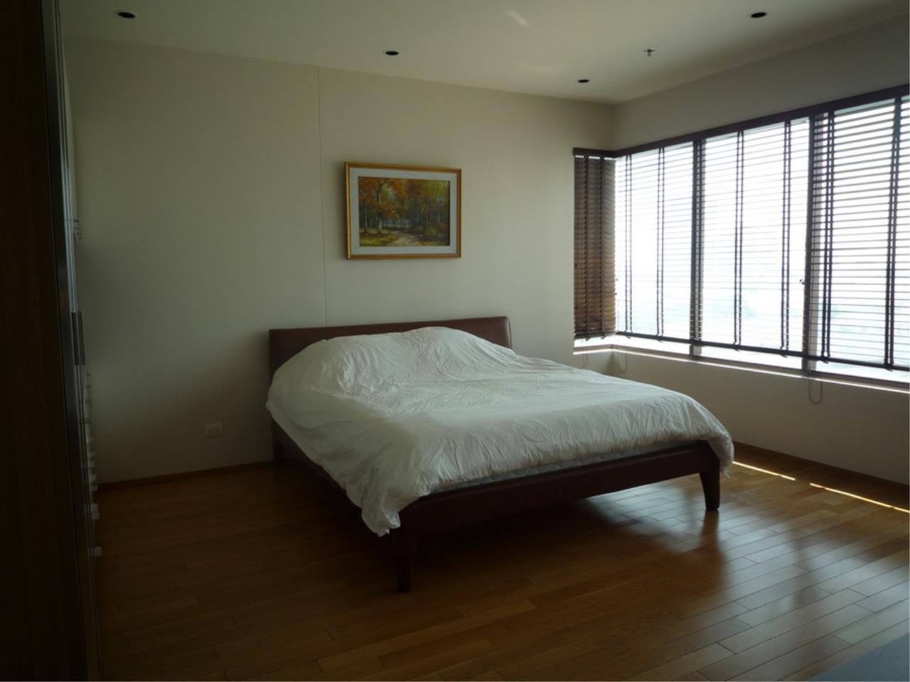 Piri Property Agency's 3 bedrooms Condominium  on 8 floor For Rent 3 10