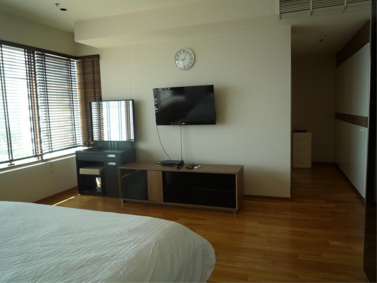 Piri Property Agency's 3 bedrooms Condominium  on 8 floor For Rent 3 9