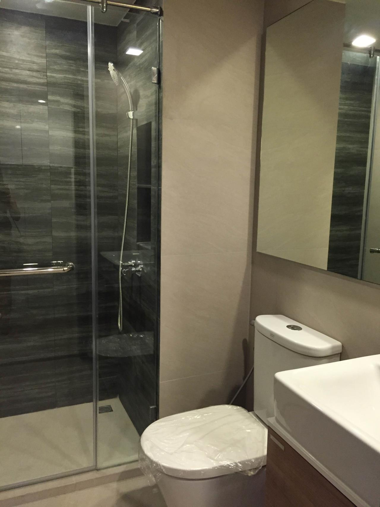 Piri Property Agency's one bedroom Condominium  on 4 floor For Rent 1 12