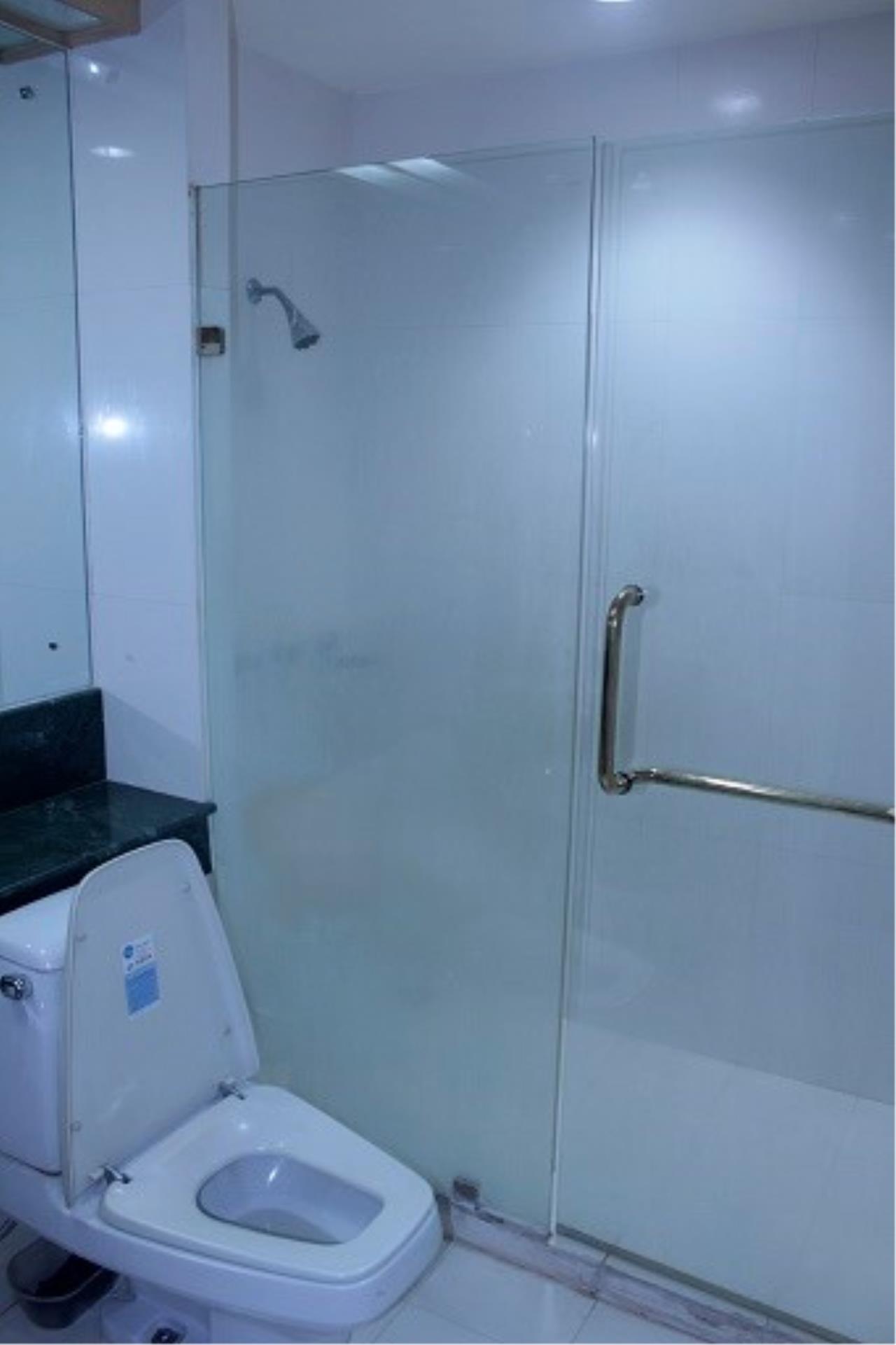 Piri Property Agency's 3 bedrooms Condominium  on 24 floor For Rent 3 15