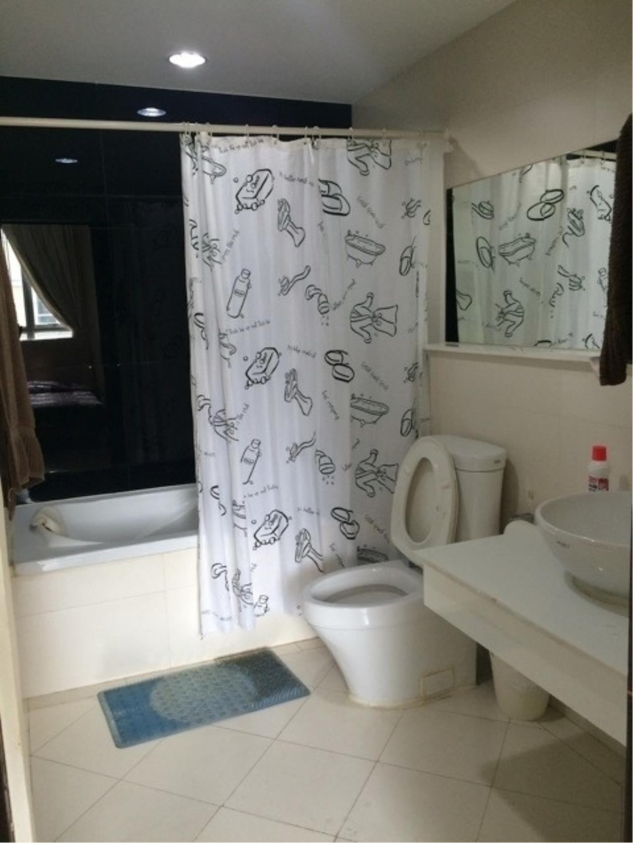 Piri Property Agency's one bedroom Condominium  on 8 (A) floor For Rent 1 4