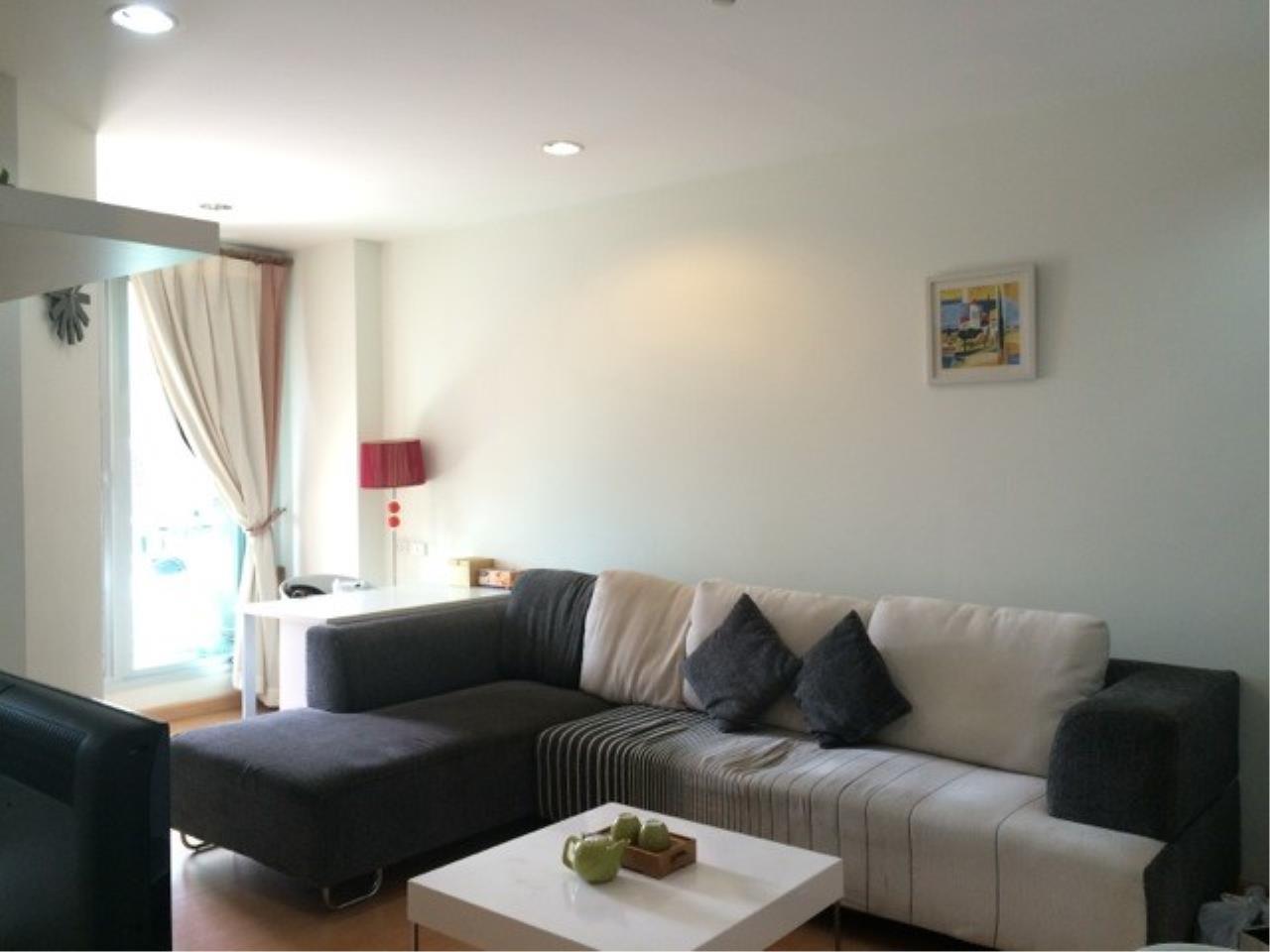 Piri Property Agency's one bedroom Condominium  on 8 (A) floor For Rent 1 1