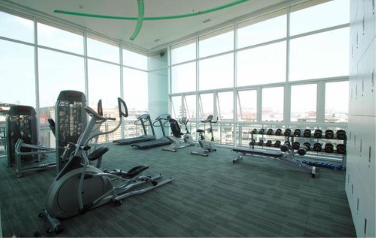 Piri Property Agency's 3 bedrooms Condominium  on 23 floor For Rent 3 3