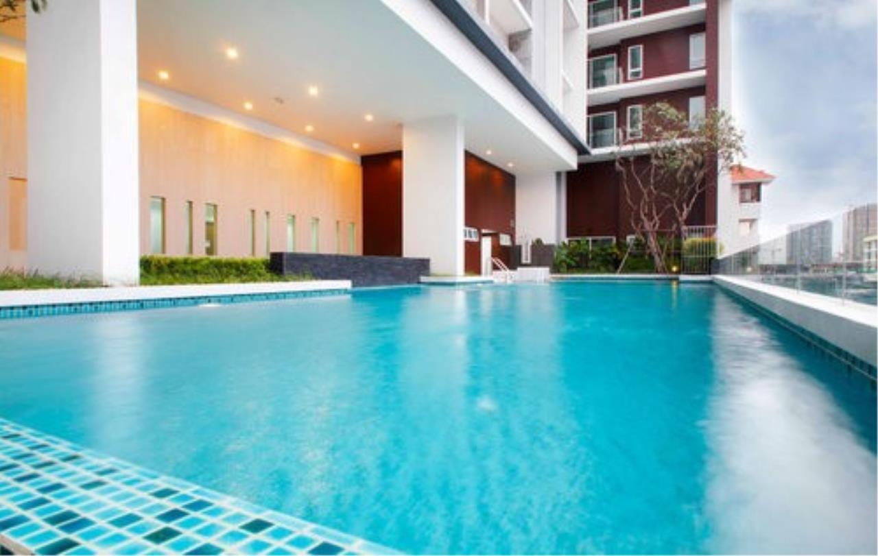 Piri Property Agency's 3 bedrooms Condominium  on 23 floor For Rent 3 8