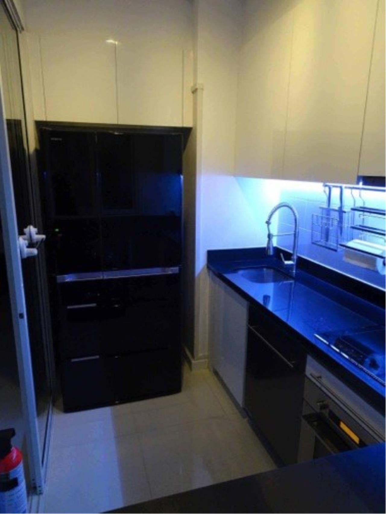 Piri Property Agency's 3 bedrooms Condominium  on 23 floor For Rent 3 16