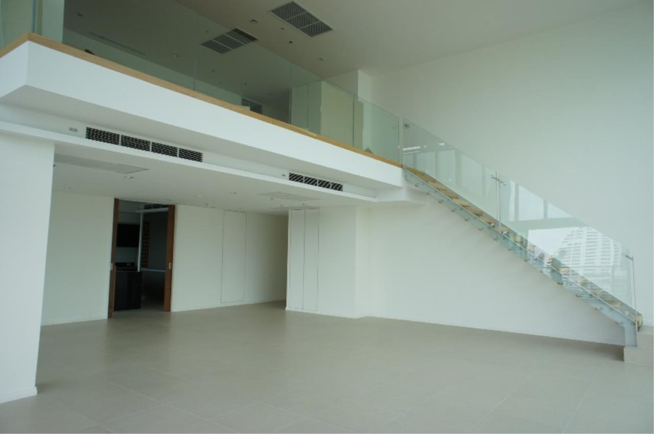 Piri Property Agency's 5 (duplex) bedrooms Condominium  on 17 floor For Sale 5 (duplex) 10