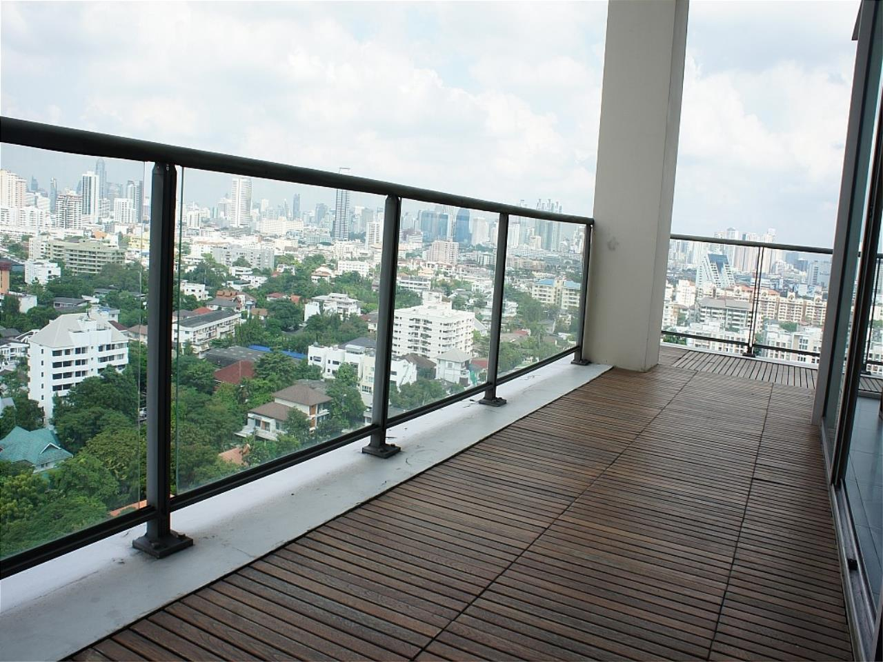 Piri Property Agency's Duplex Penthouse in Yennakart for Rent 11