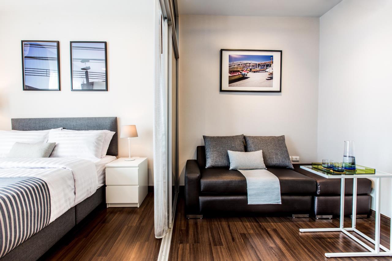 Piri Property Agency's Studio bedrooms Condominium  on 21 floor For Rent Studio 7