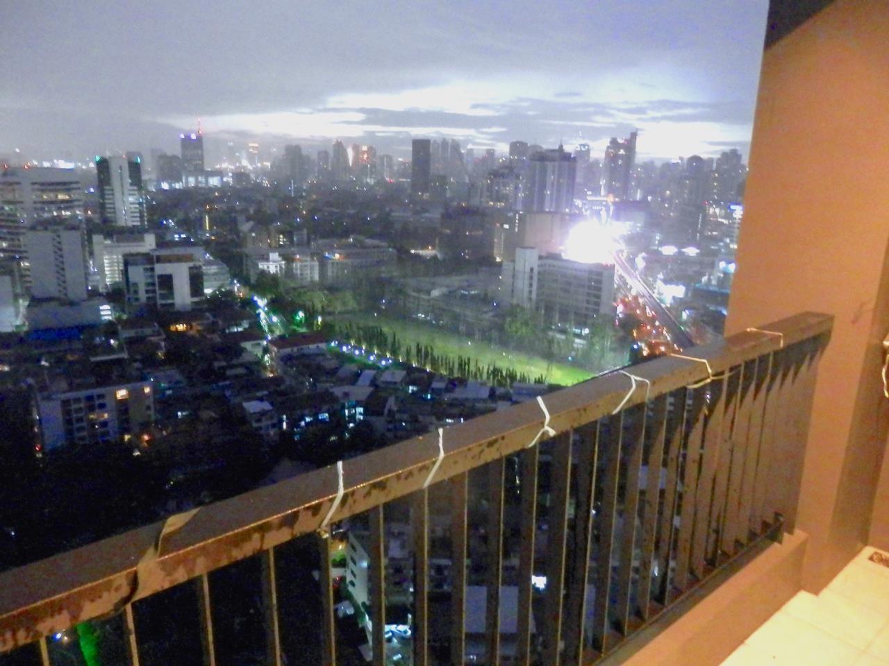 Piri Property Agency's 2 bedrooms Condominium  on 28 floor For Rent 2 2