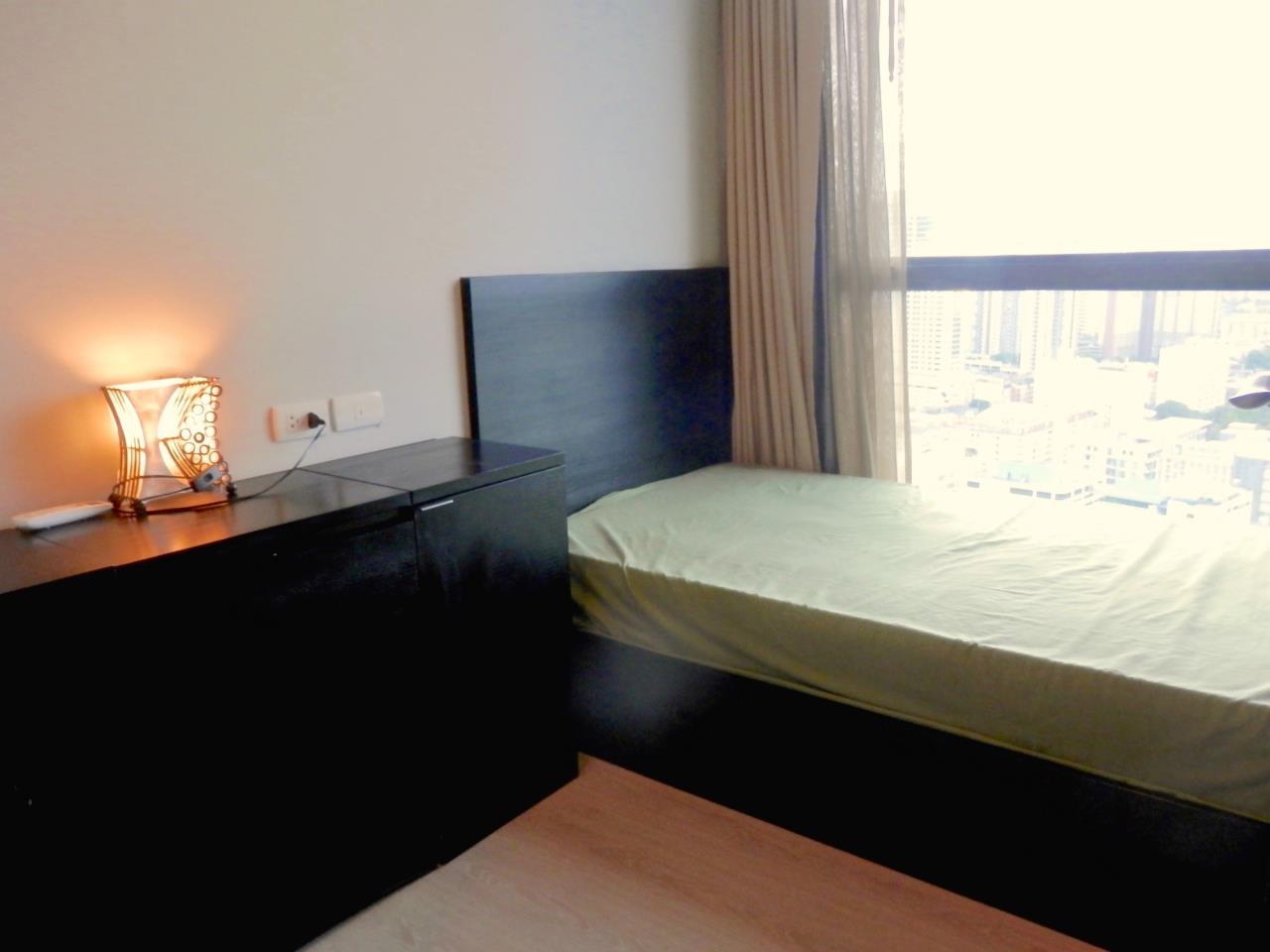 Piri Property Agency's 2 bedrooms Condominium  on 28 floor For Rent 2 9