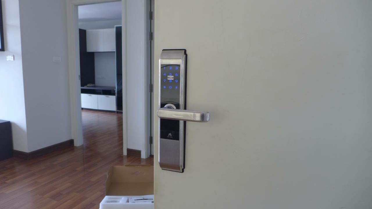 Piri Property Agency's one bedroom Condominium  on 16 floor For Rent 1 2