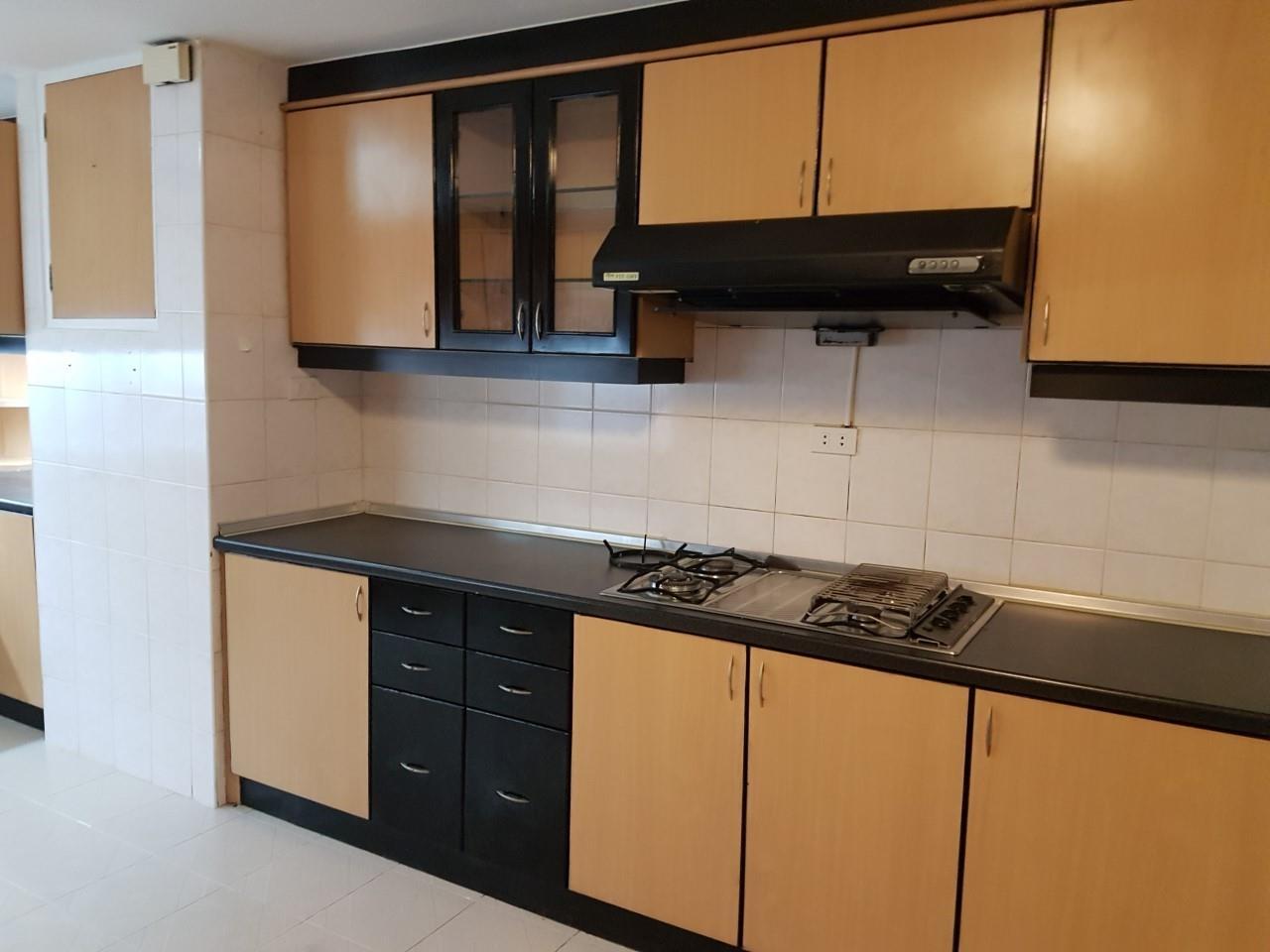 Piri Property Agency's 3 bedrooms Condominium  For Rent 3 3