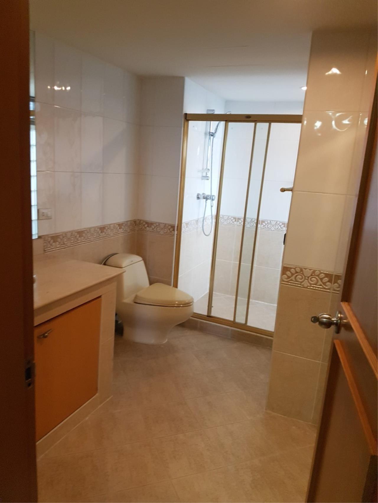 Piri Property Agency's 3 bedrooms Condominium  For Rent 3 10