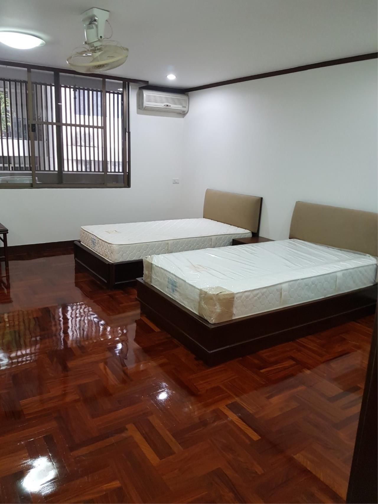 Piri Property Agency's 3 bedrooms Condominium  For Rent 3 11