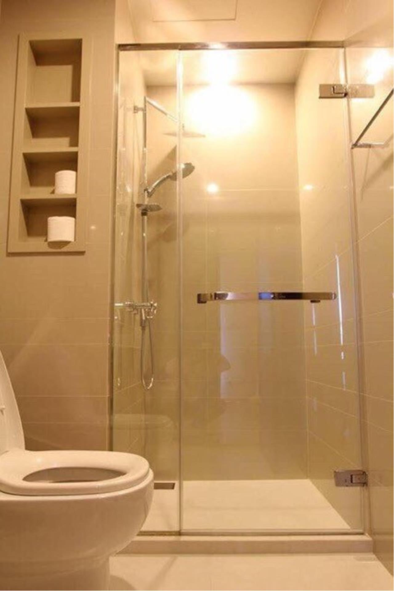 Piri Property Agency's 2 bedrooms Condominium  on 12A floor For Rent 2 5