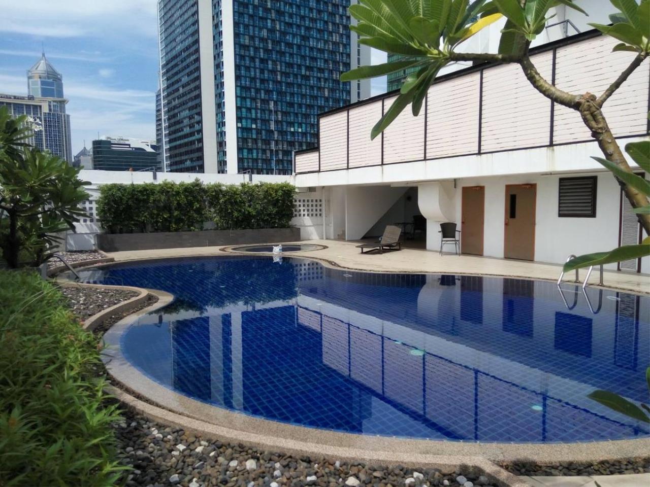 Piri Property Agency's 3 bedrooms Condominium  on 12 floor For Sale 3 6
