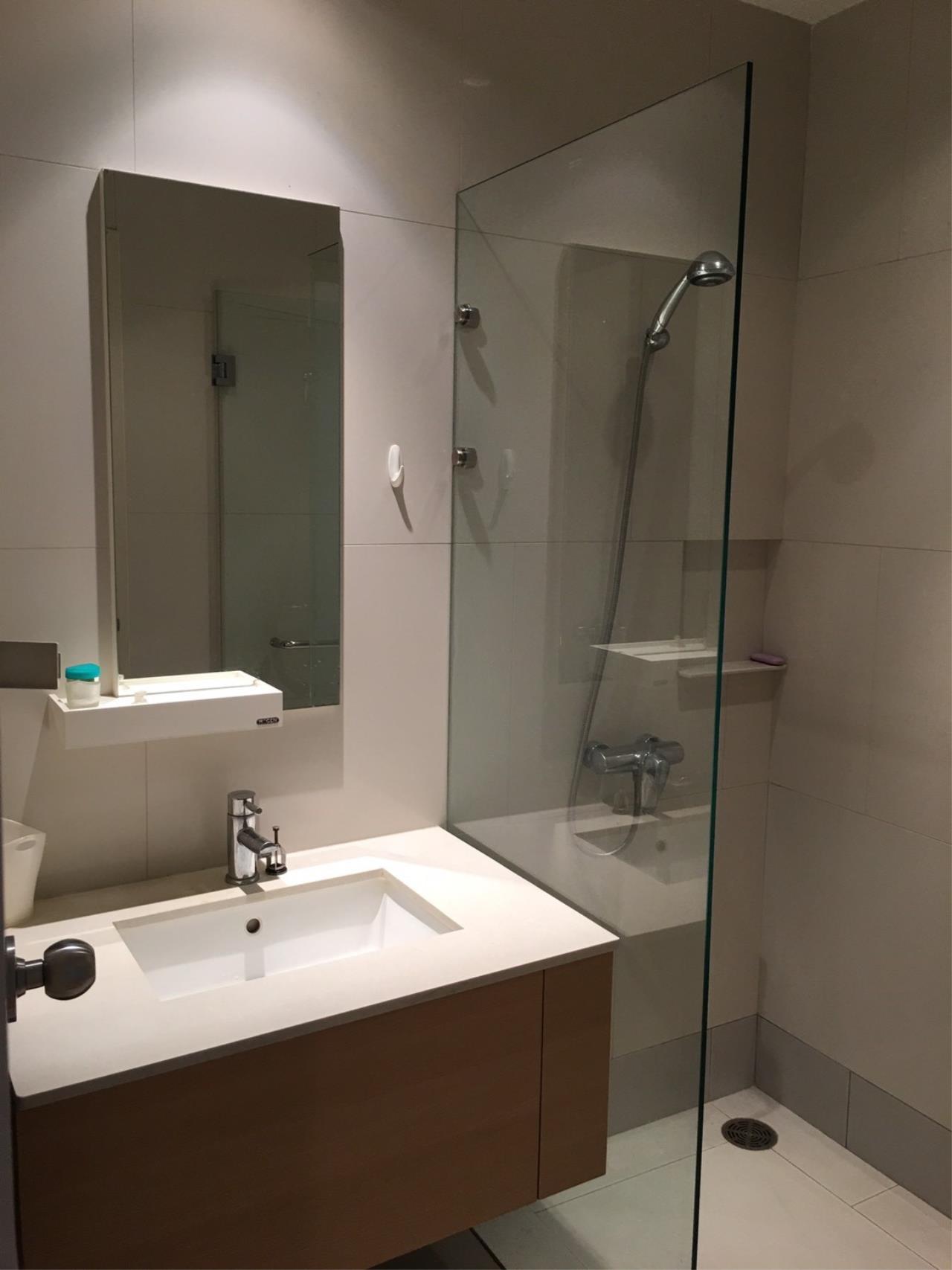 Piri Property Agency's 2 bedrooms Condominium  on 43 floor For Rent 2 7
