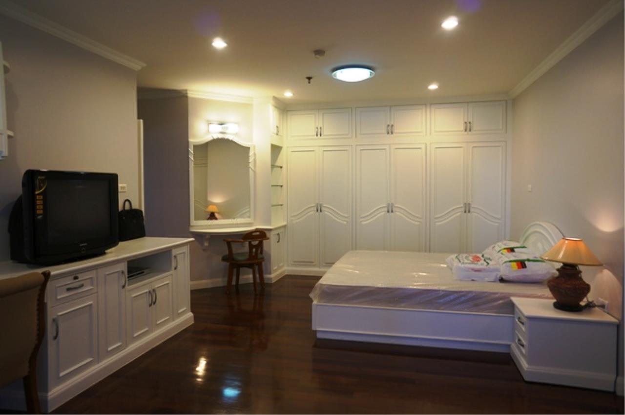 Piri Property Agency's 3 bedrooms Condominium  on 11 floor For Rent 3 3