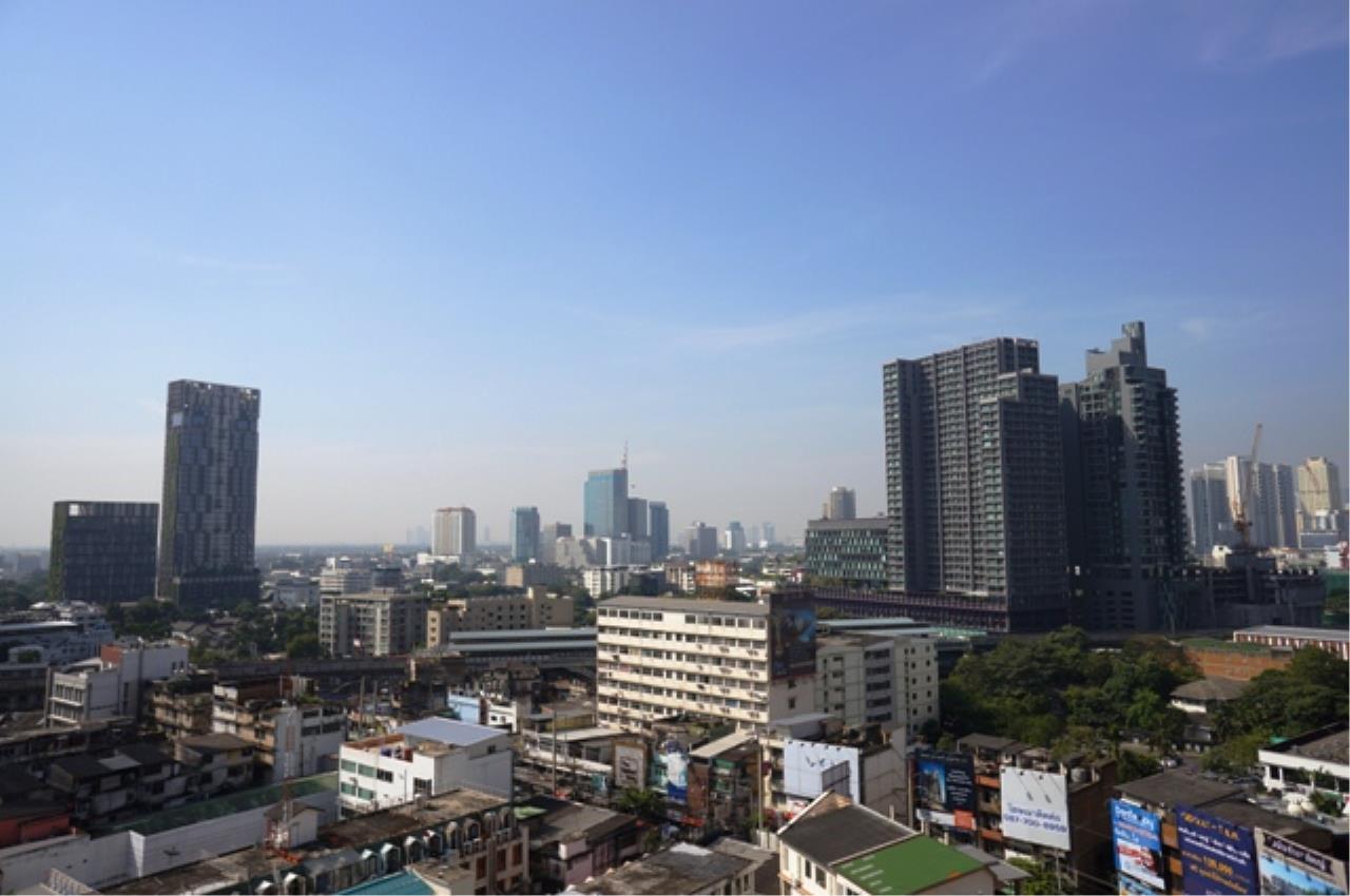Piri Property Agency's 3 bedrooms Condominium  on 11 floor For Rent 3 4