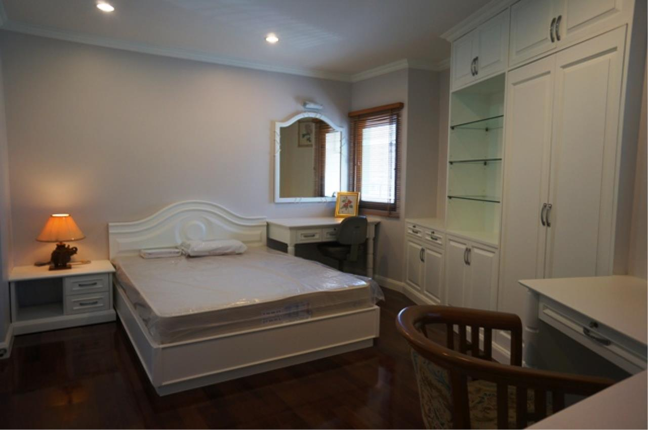 Piri Property Agency's 3 bedrooms Condominium  on 11 floor For Rent 3 5