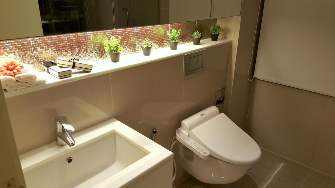 Piri Property Agency's 2 bedrooms Condominium  on 18 floor For Rent 2 3