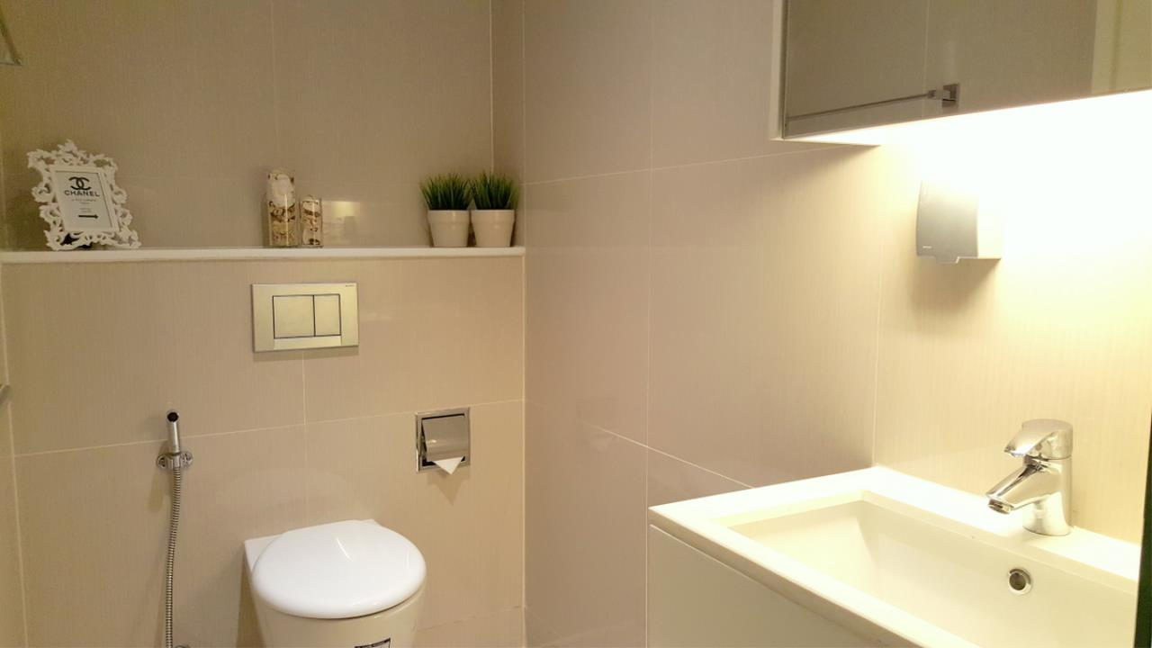Piri Property Agency's 2 bedrooms Condominium  on 18 floor For Rent 2 4