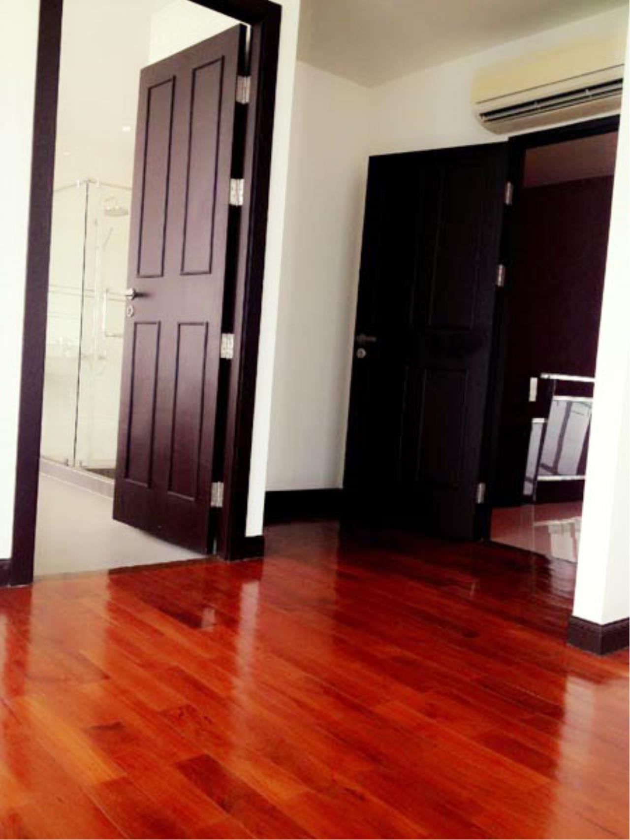 Piri Property Agency's 4 bedrooms Condominium  on 30 floor For Sale 4 3