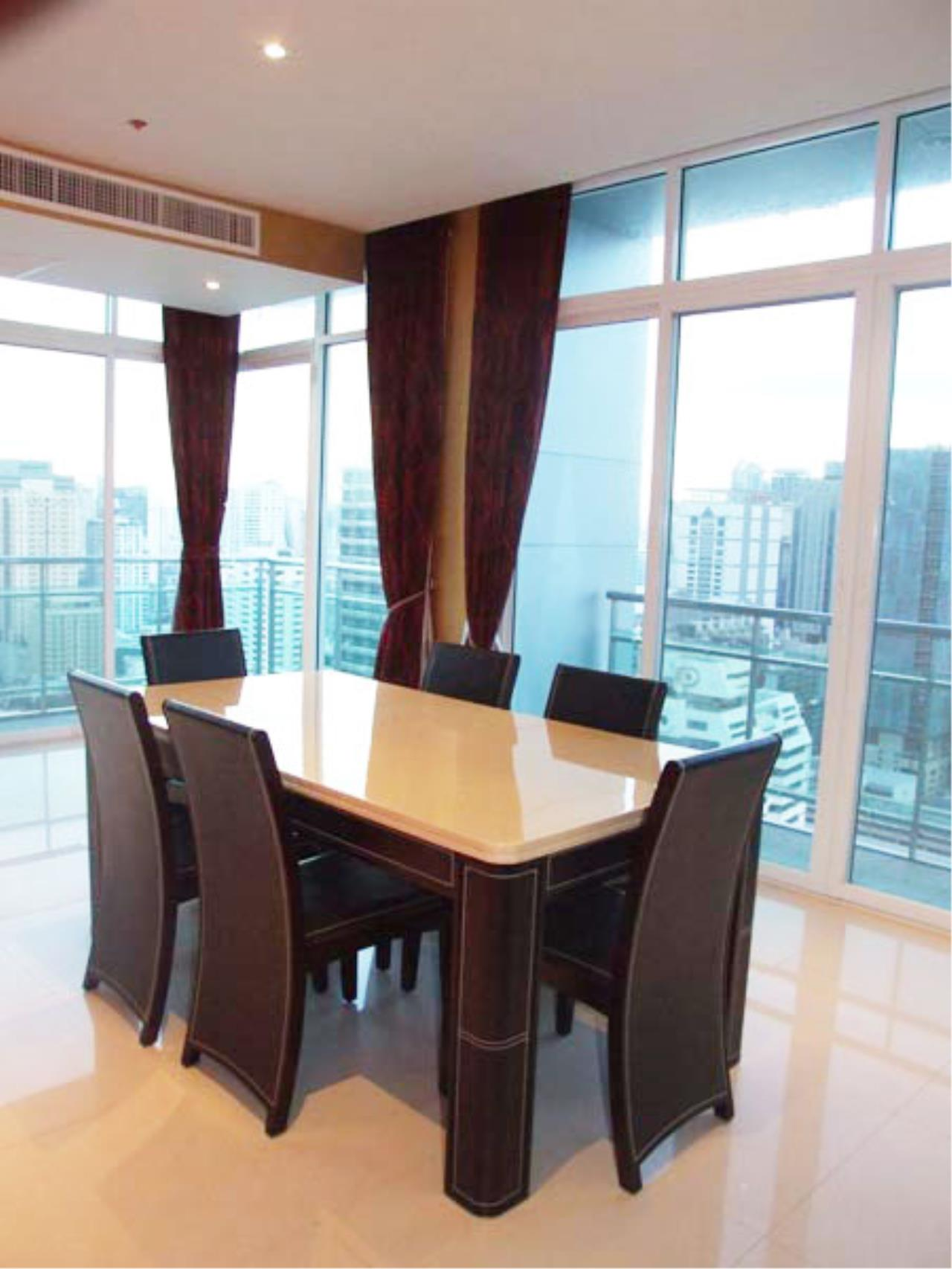 Piri Property Agency's 4 bedrooms Condominium  on 30 floor For Sale 4 9