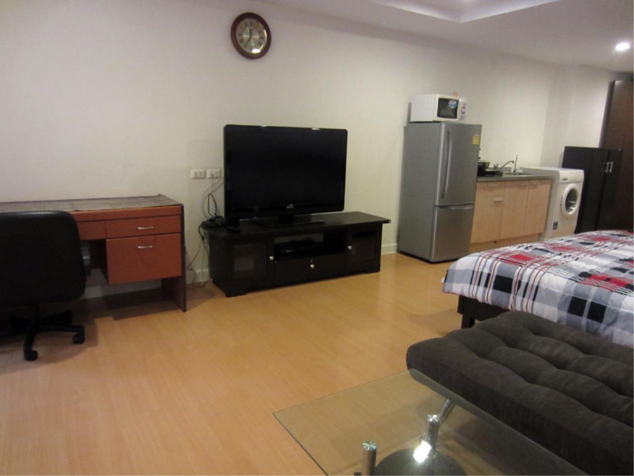 Piri Property Agency's one bedroom Condominium  on 7 floor For Rent 1 3
