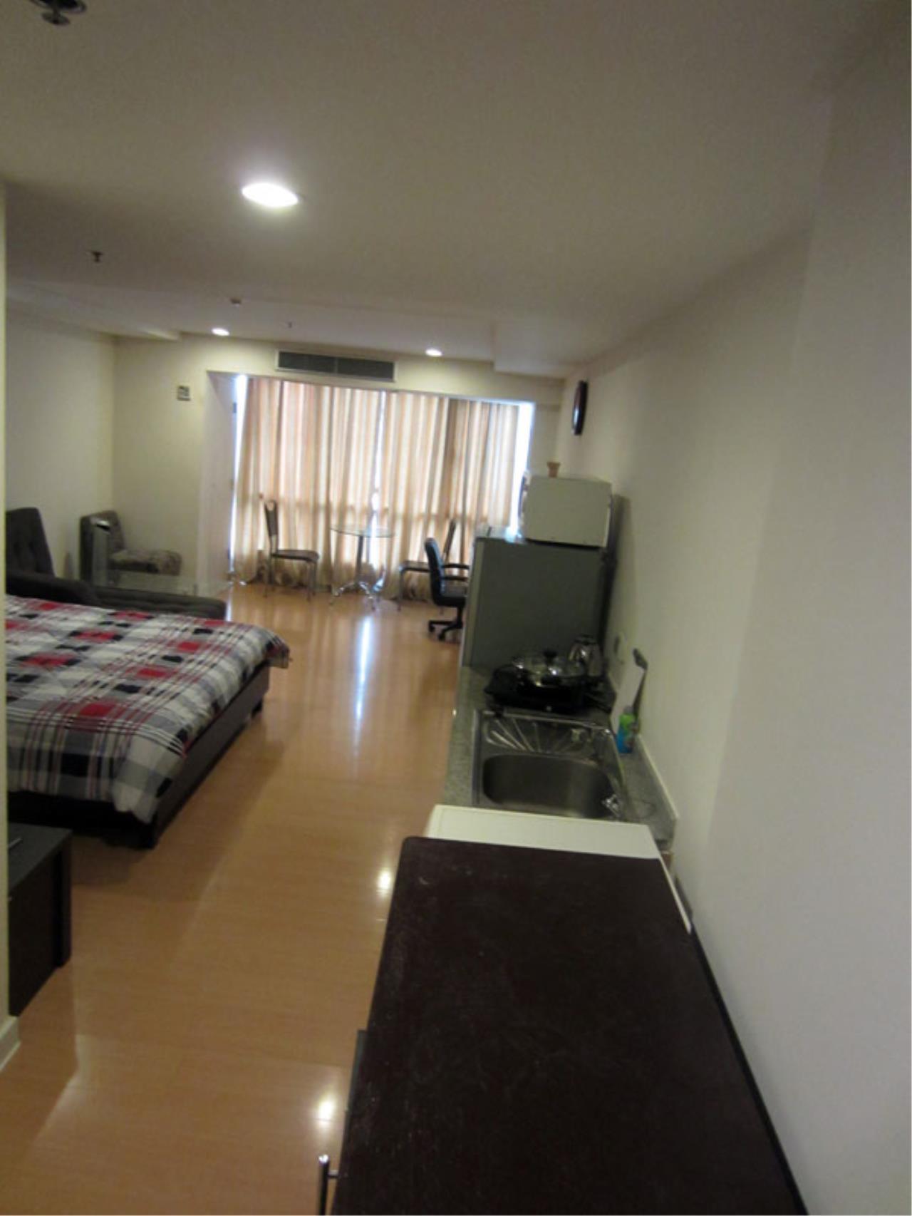 Piri Property Agency's one bedroom Condominium  on 7 floor For Rent 1 4