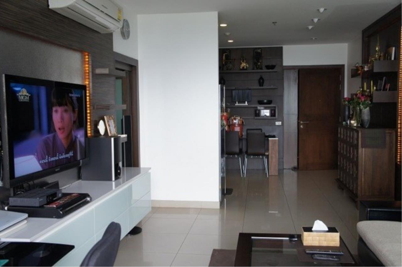 Piri Property Agency's one bedroom Condominium  on 11 floor For Sale 1 1