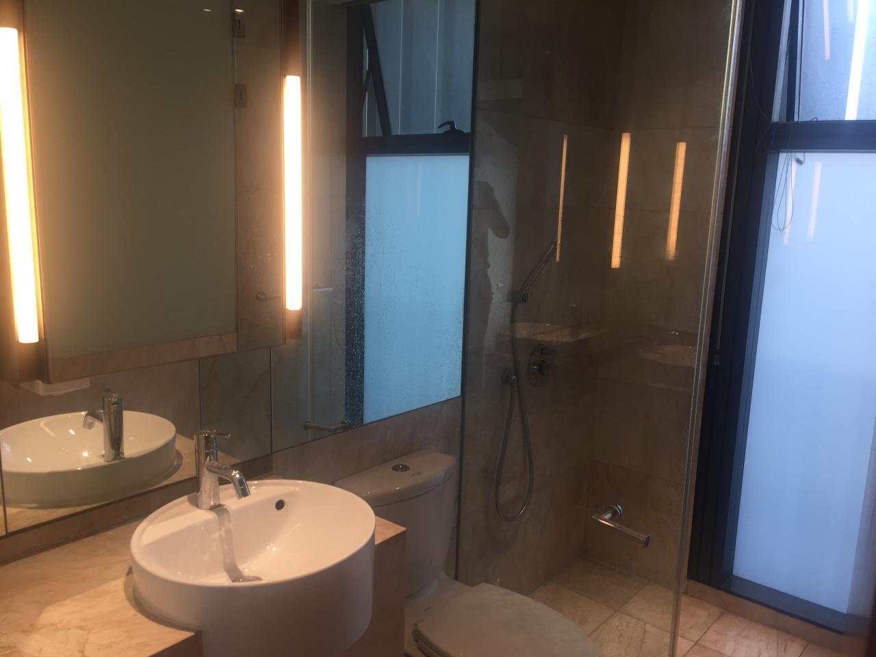 Piri Property Agency's 4 bedrooms Condominium  on 35th floor For Rent 4 10
