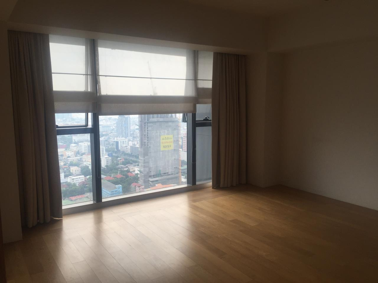 Piri Property Agency's 4 bedrooms Condominium  on 35th floor For Rent 4 12