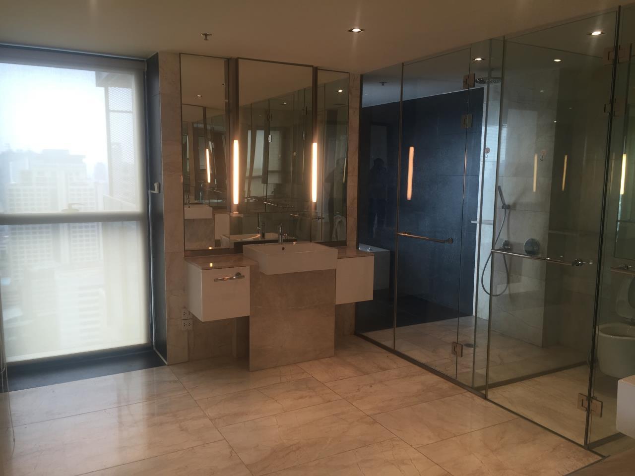 Piri Property Agency's 4 bedrooms Condominium  on 35th floor For Rent 4 14
