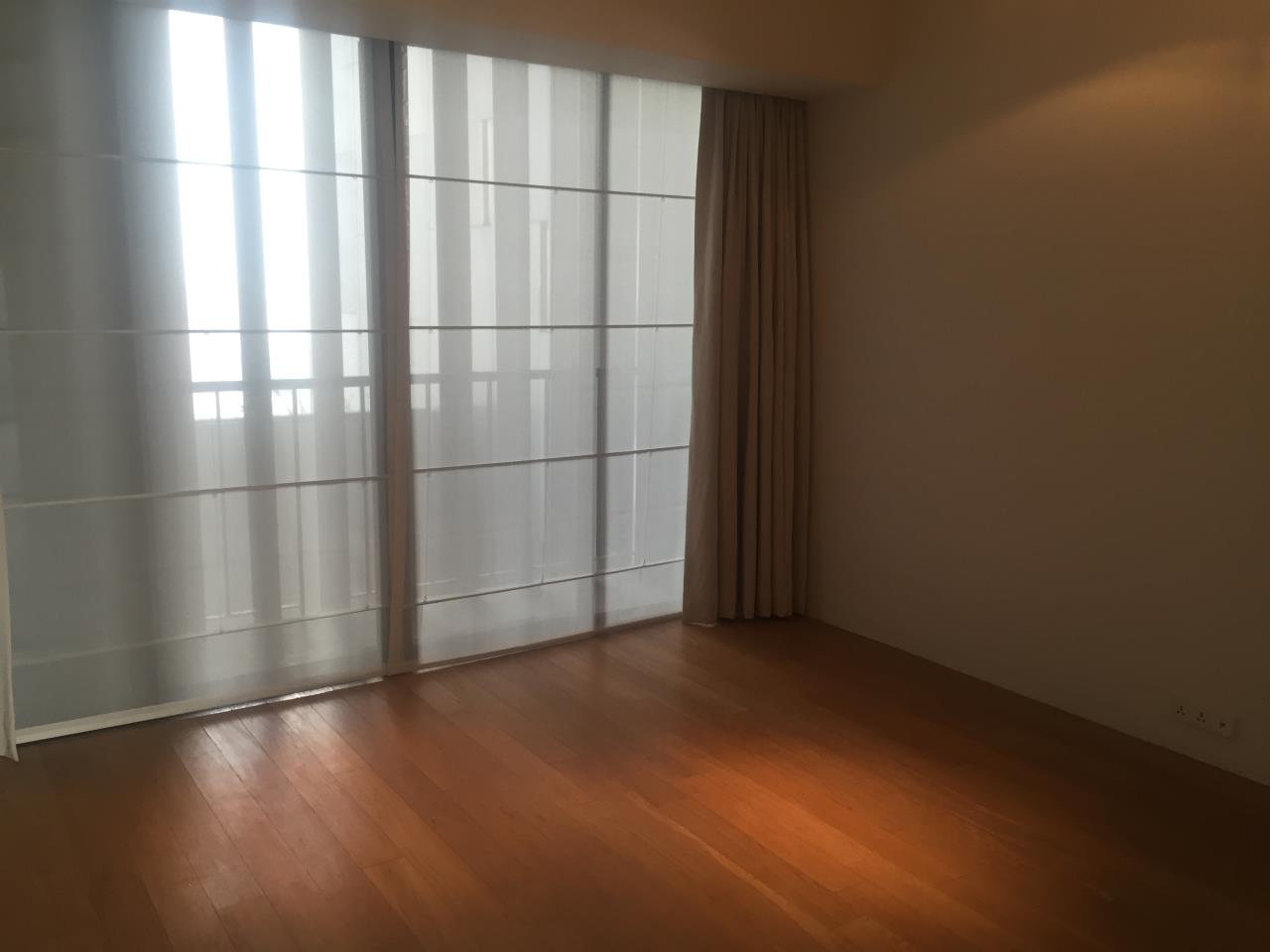 Piri Property Agency's 4 bedrooms Condominium  on 35th floor For Rent 4 18