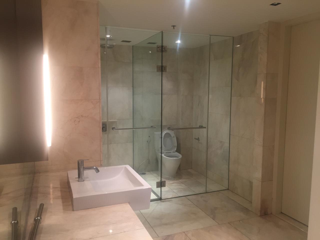 Piri Property Agency's 4 bedrooms Condominium  on 35th floor For Rent 4 20