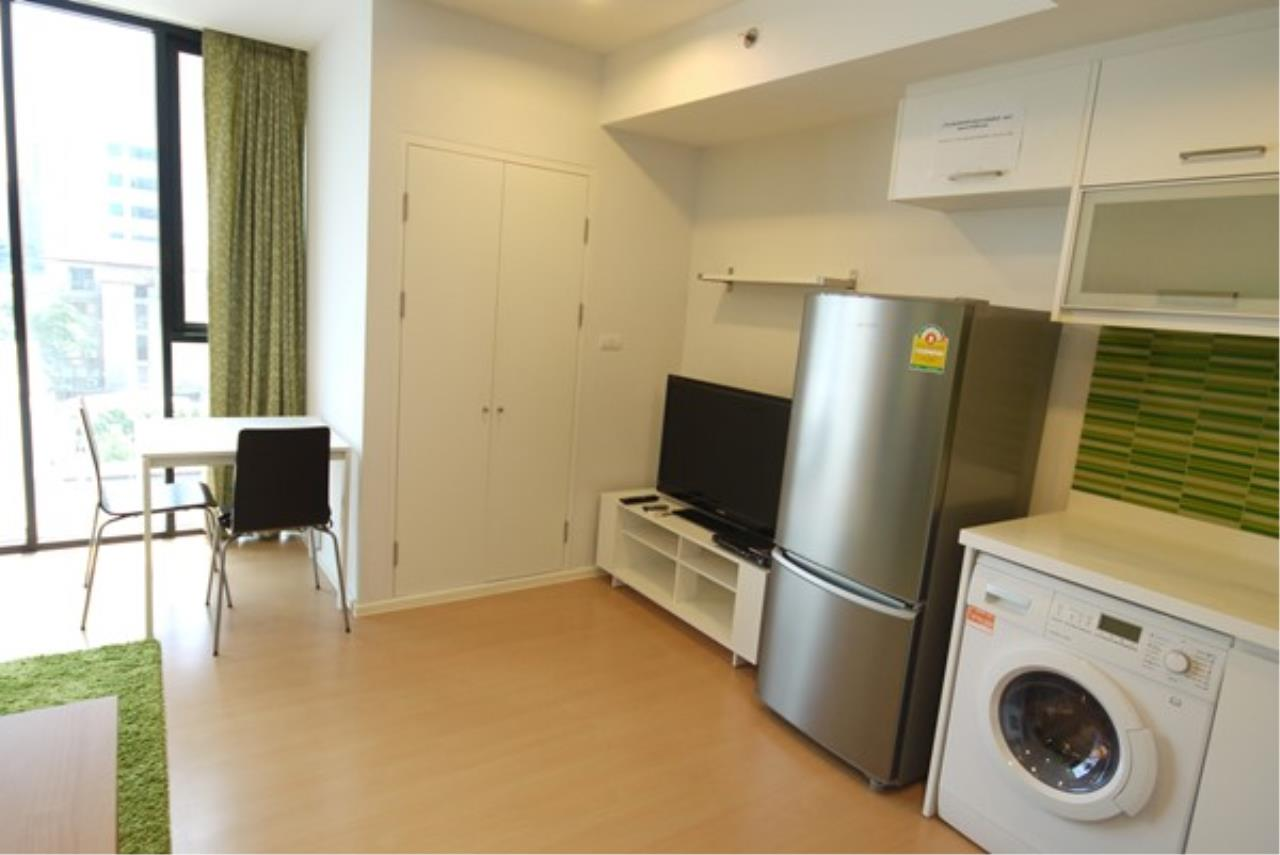 Piri Property Agency's one bedroom Condominium  on 7 floor For Rent 1 2