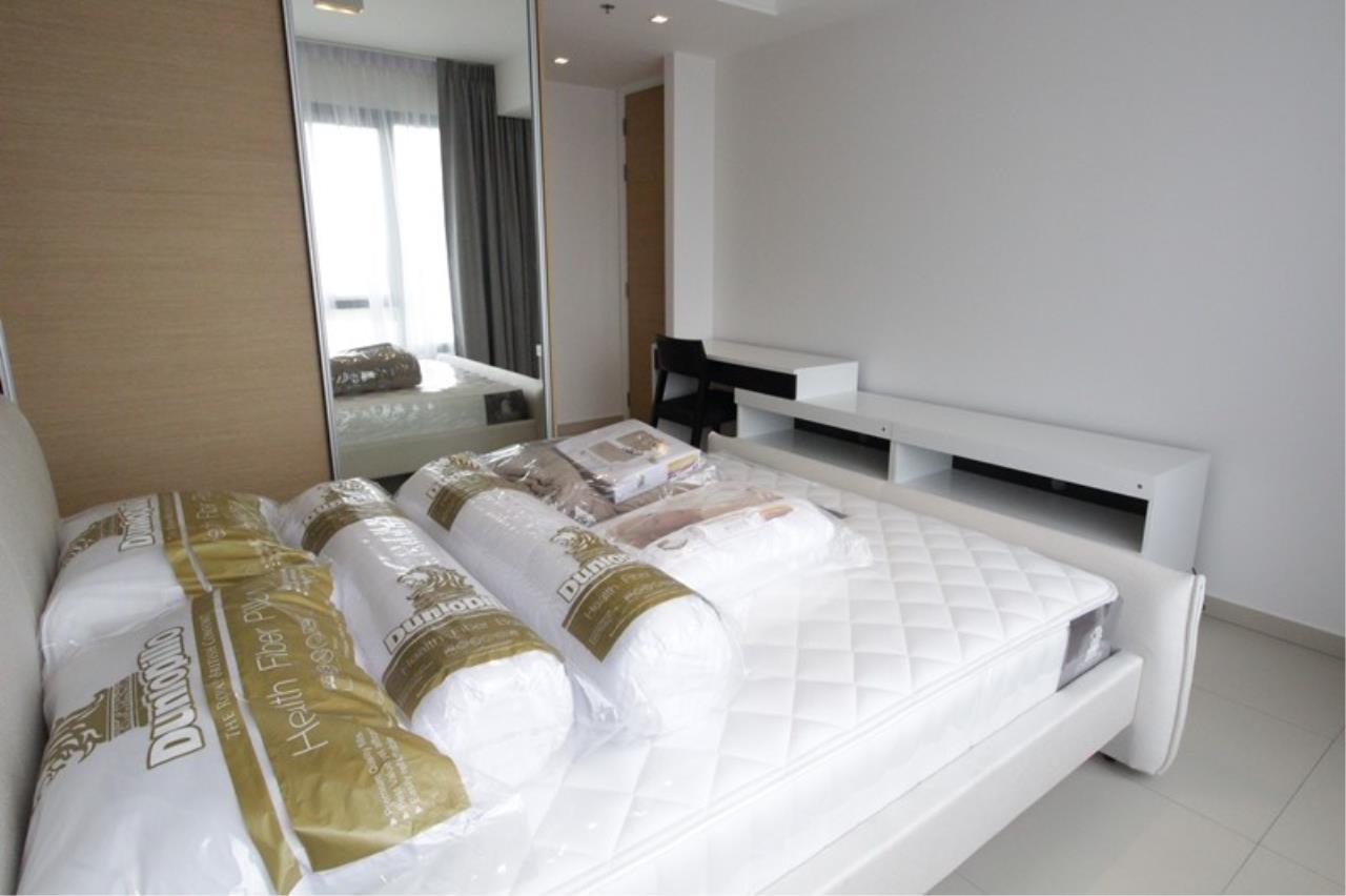 Piri Property Agency's one bedroom Condominium  on 15 floor For Rent 1 5