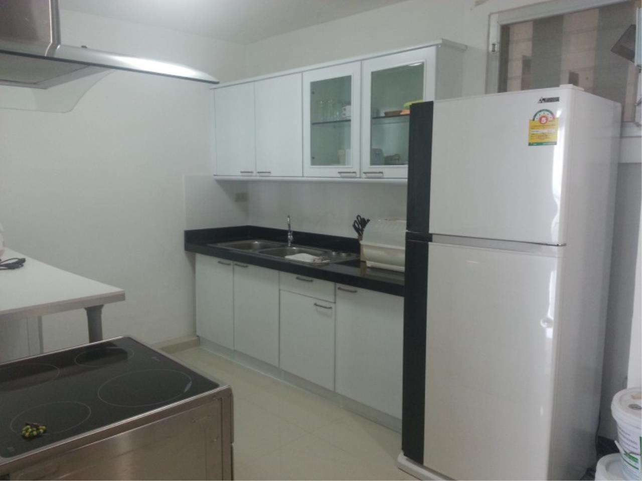Piri Property Agency's 2 bedrooms Condominium  on 11 floor For Rent 2 10