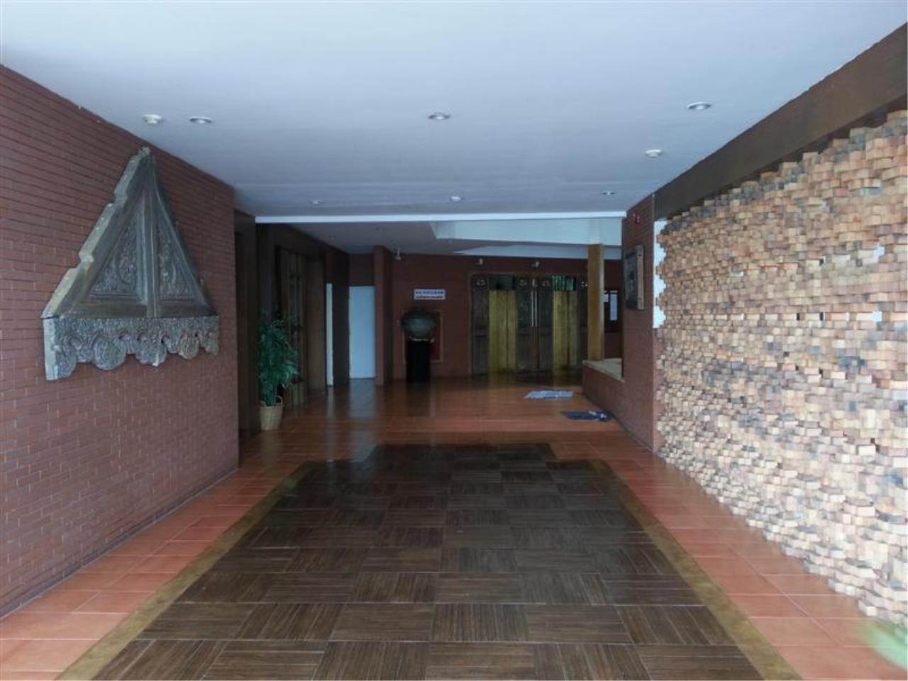 Piri Property Agency's 2 bedrooms Condominium  on 11 floor For Rent 2 32