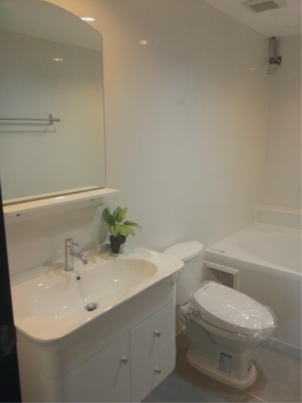 Piri Property Agency's 2 bedrooms Condominium  on 11 floor For Rent 2 34