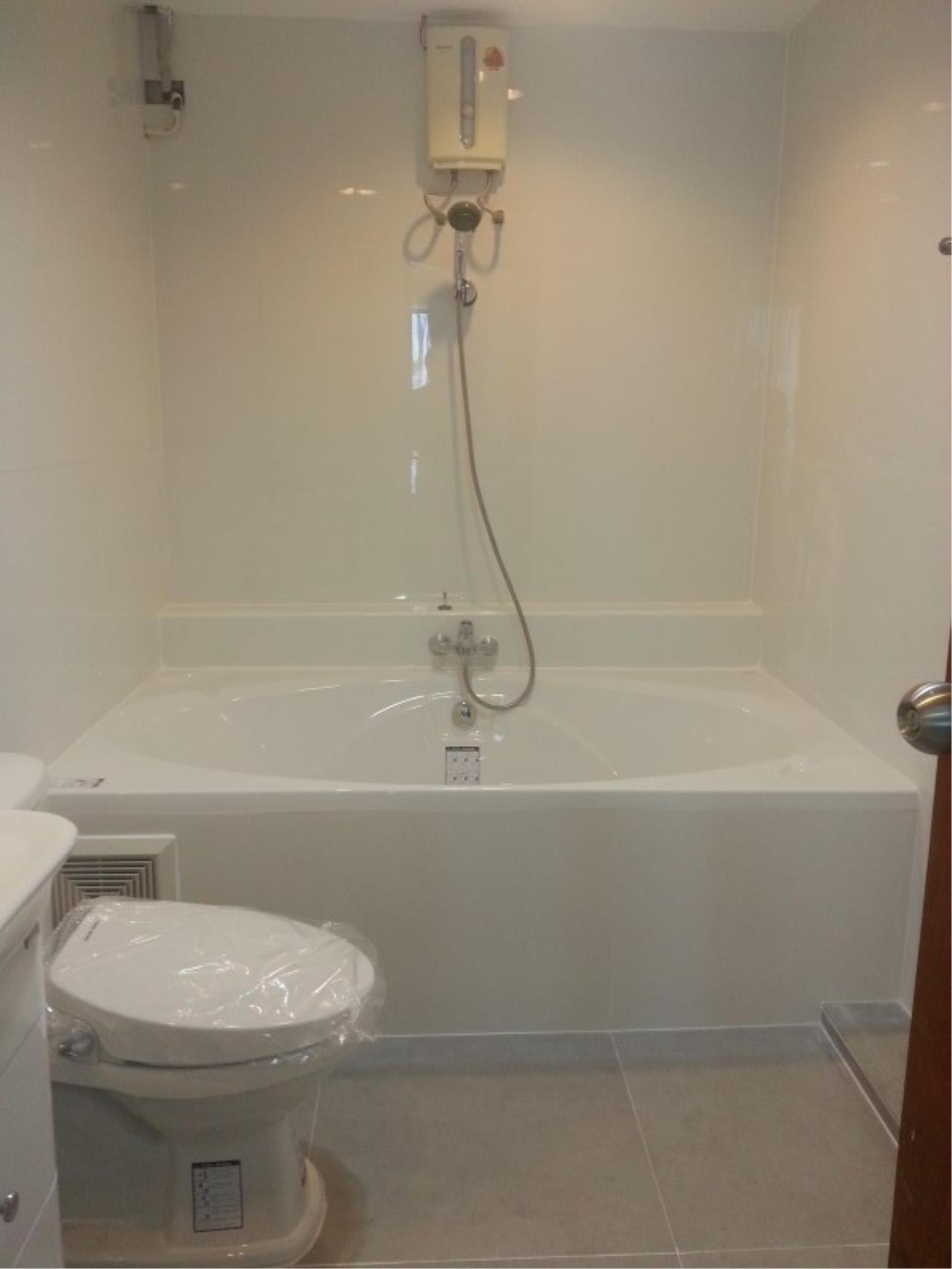 Piri Property Agency's 2 bedrooms Condominium  on 11 floor For Rent 2 45